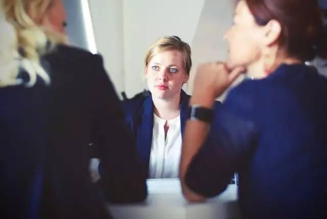口腔招聘网告诉你:面试官问你:能接受加班